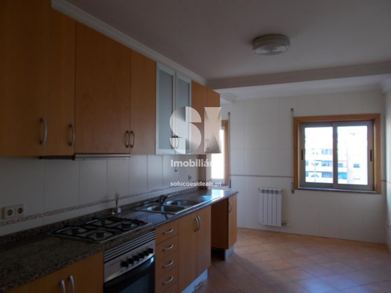 apartamento t4 duplex para compra em aveiro uniao das freguesias de gloria e vera cruz AVGLB1400