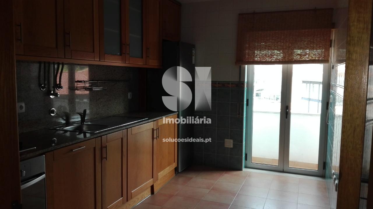 apartamento t2 para compra em alcobaca uniao das freguesias de alcobaca e vestiaria ACBRC188
