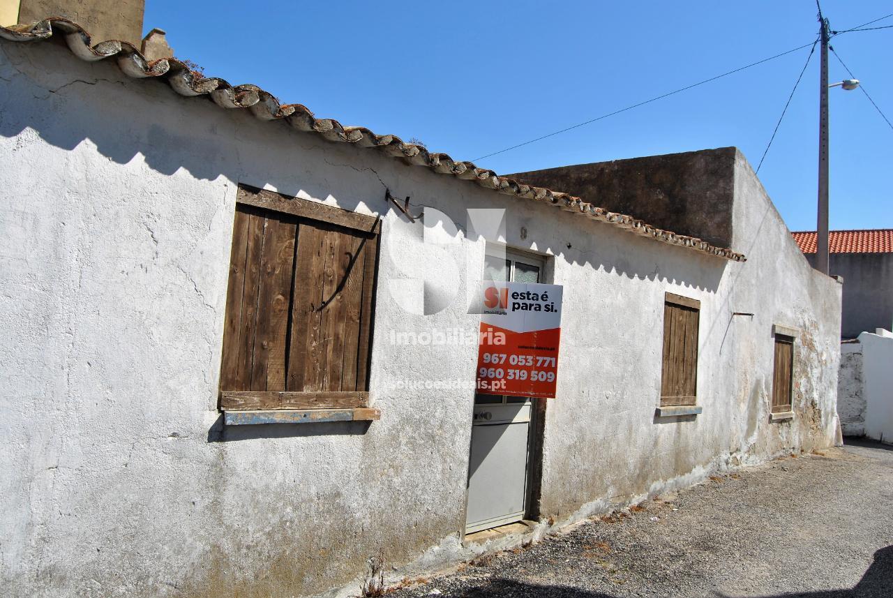 moradia para restaurar para compra em lourinha uniao das freguesias de lourinha e atalaia LFCAS338