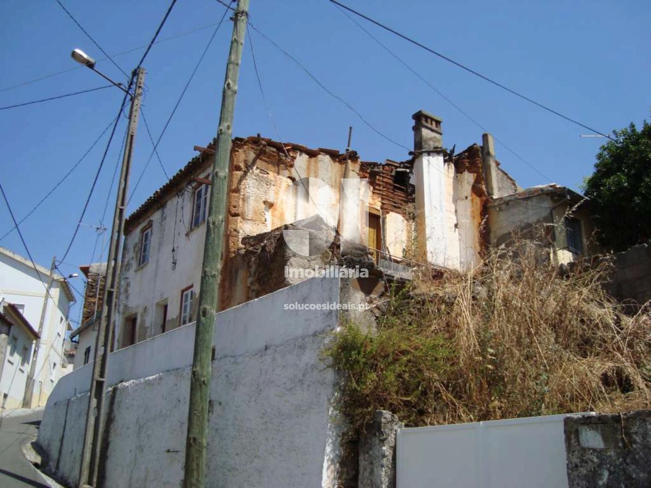 moradia para restaurar para compra em castelo branco uniao das freguesias de freixial e juncal do campo CBZAP174