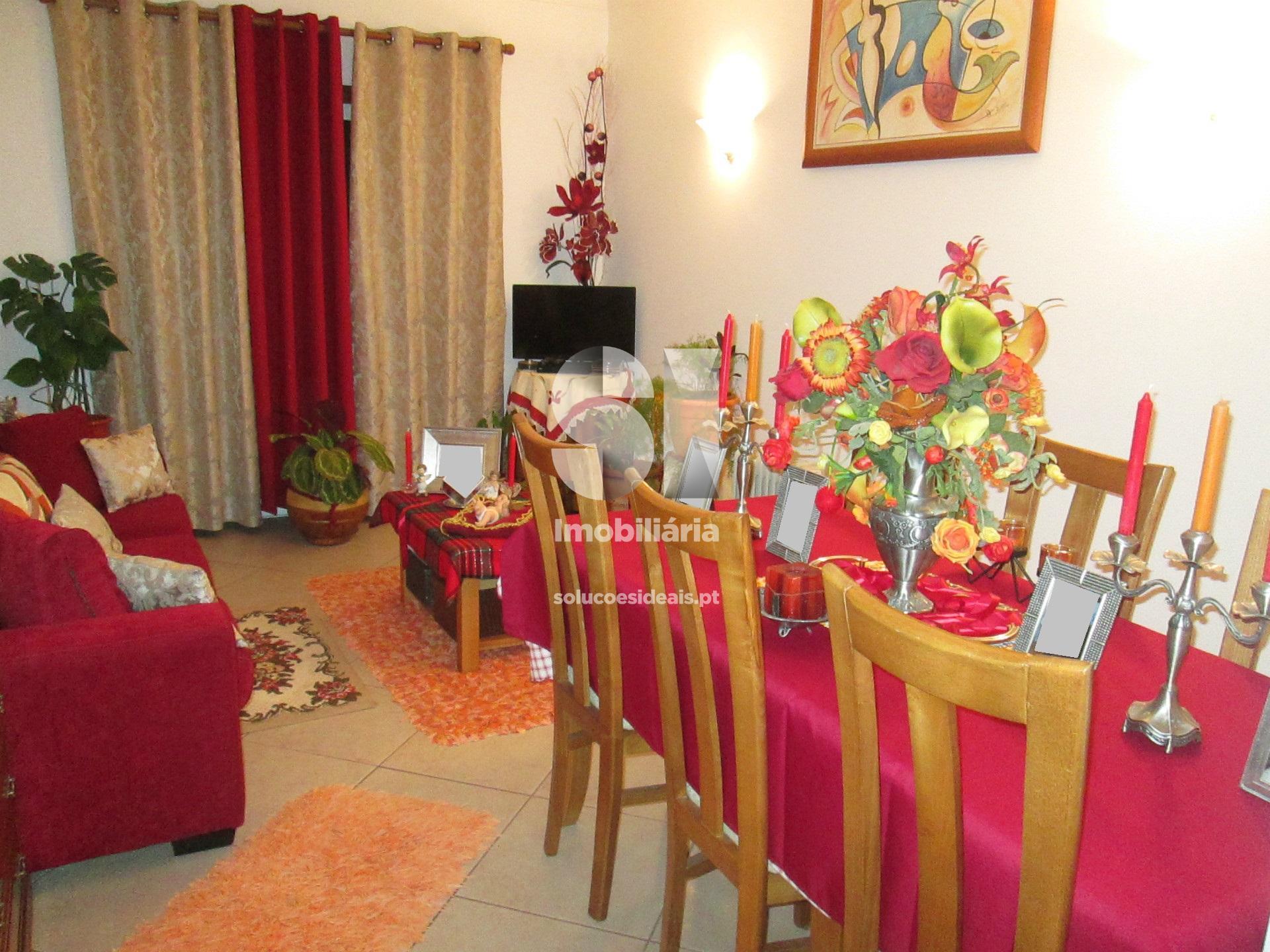 apartamento t3 para compra em oliveira do bairro oliveira do bairro MEAAM2962