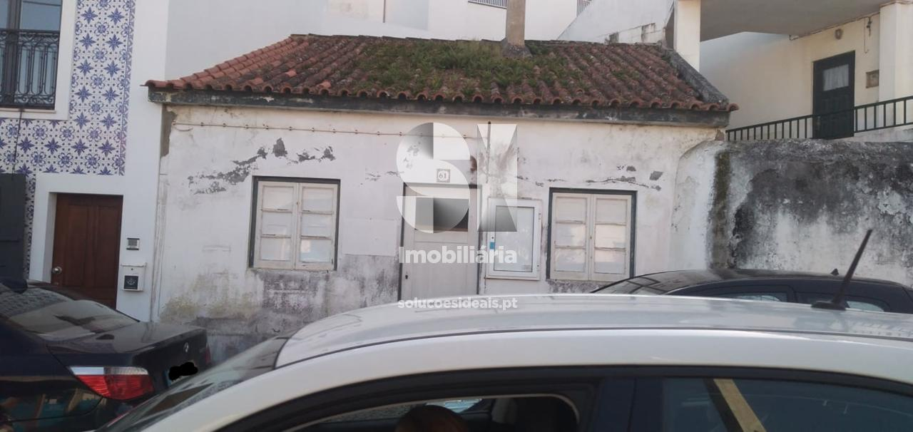 moradia para restaurar t2 para compra em alcobaca sao martinho do porto ACBLA212