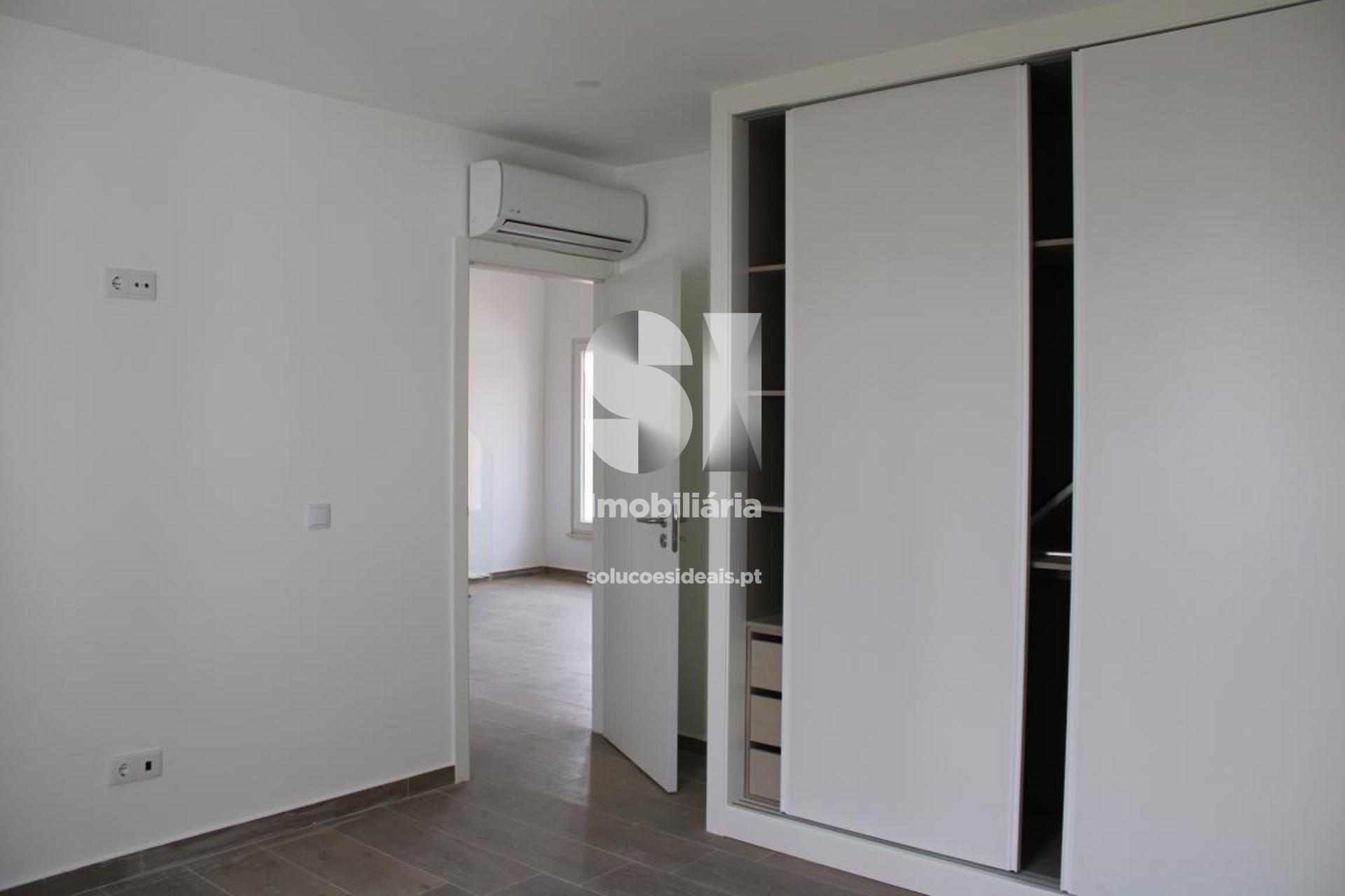 apartamento t11 para compra em torres vedras santa maria sao pedro e matacaes LFCPM472_11