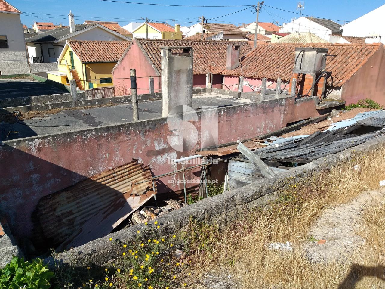 moradia para restaurar t3 para compra em marinha grande vieira de leiria praia da vieira VPLPF291