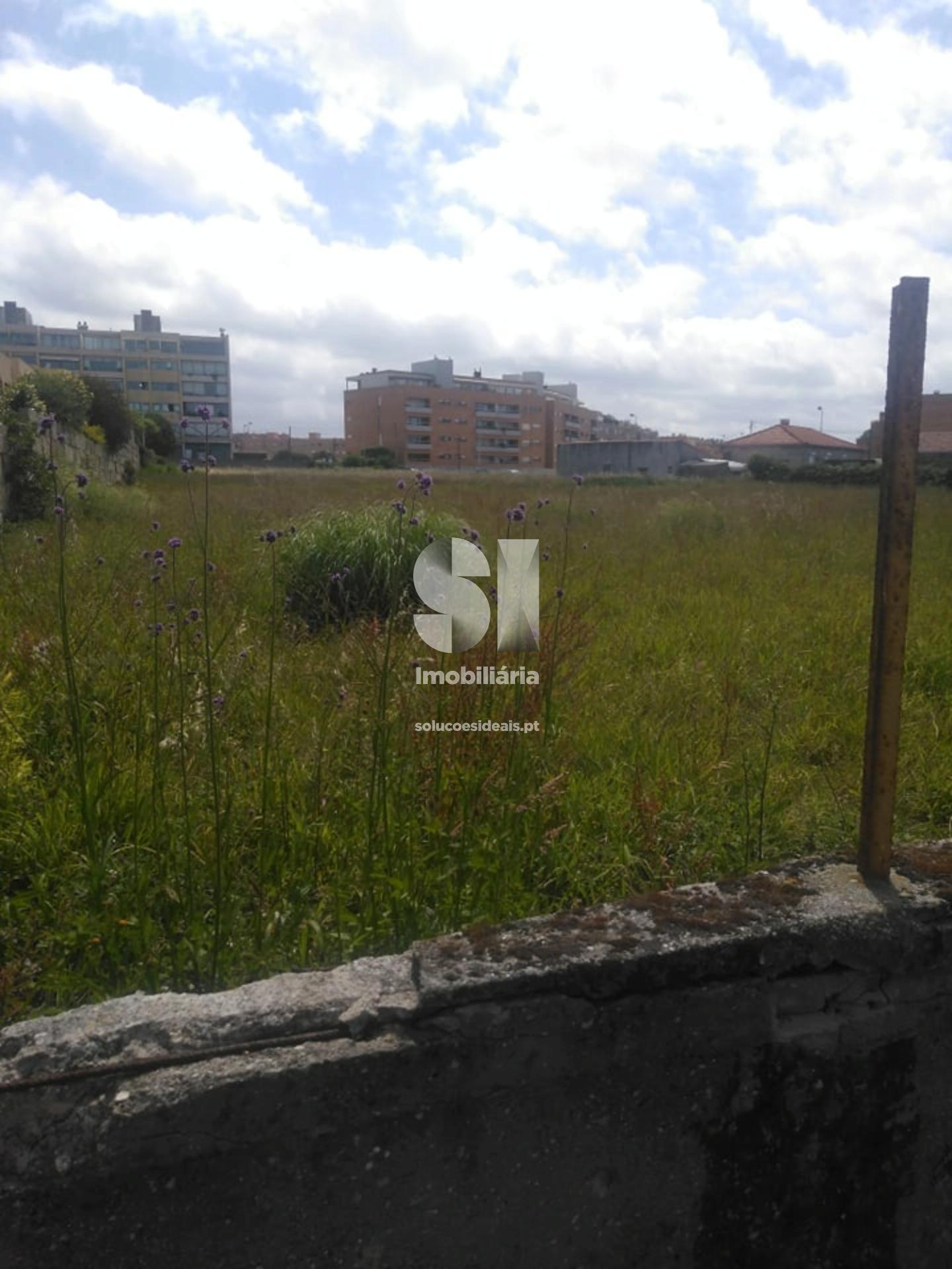 terreno para compra em matosinhos uniao das freguesias de sao mamede de infesta e senhora da hora MAIPN126
