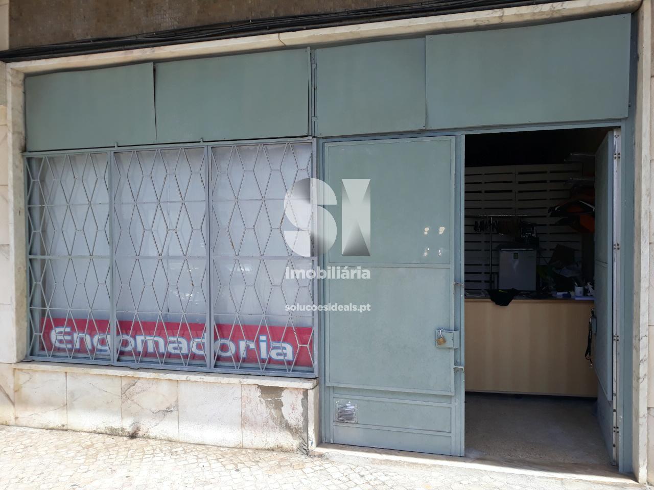 loja para compra em almada uniao das freguesias de laranjeiro e feijo ALMLO493