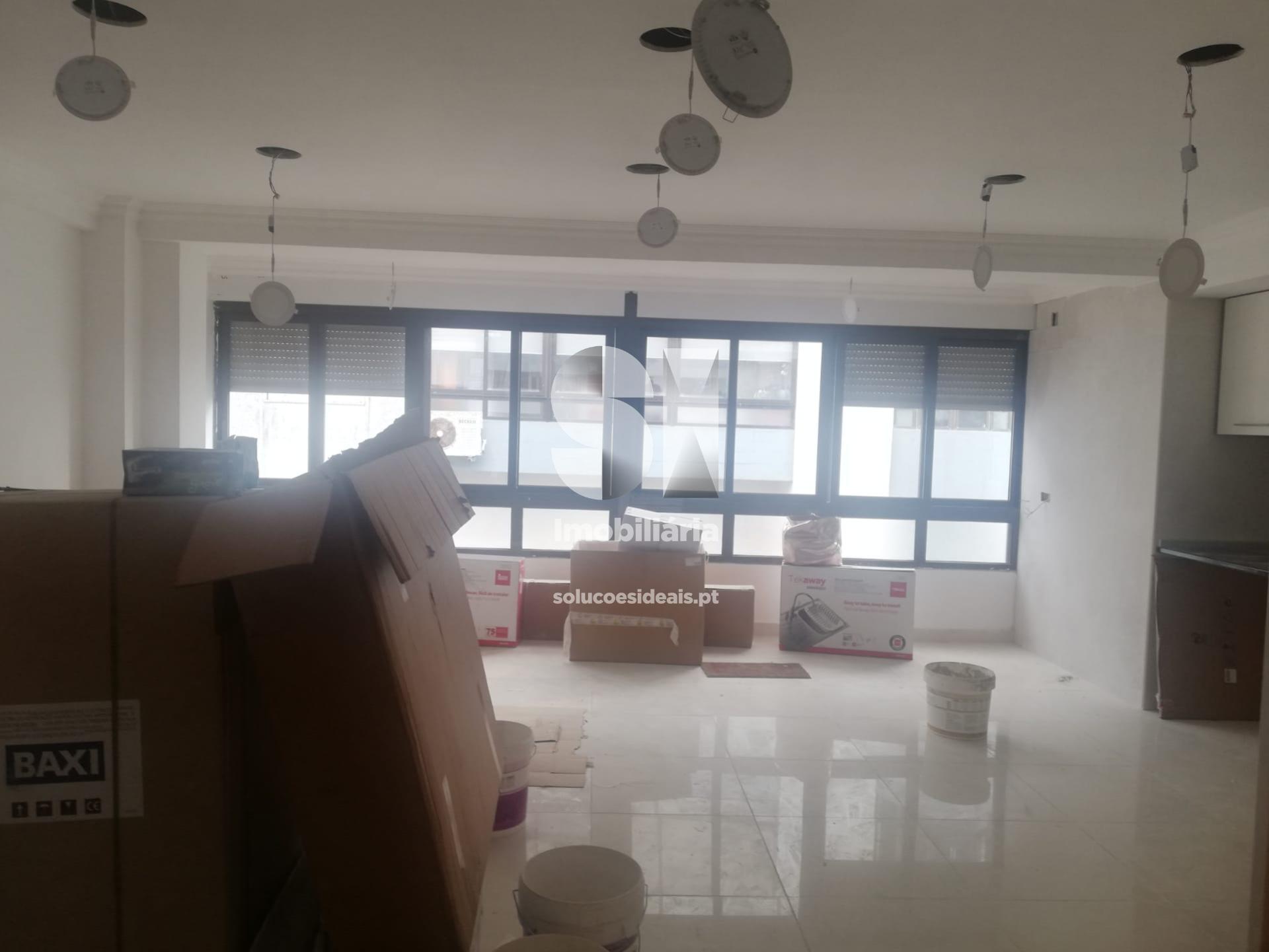 apartamento t2 para compra em almada uniao das freguesias de charneca de caparica e sobreda SXLSS673