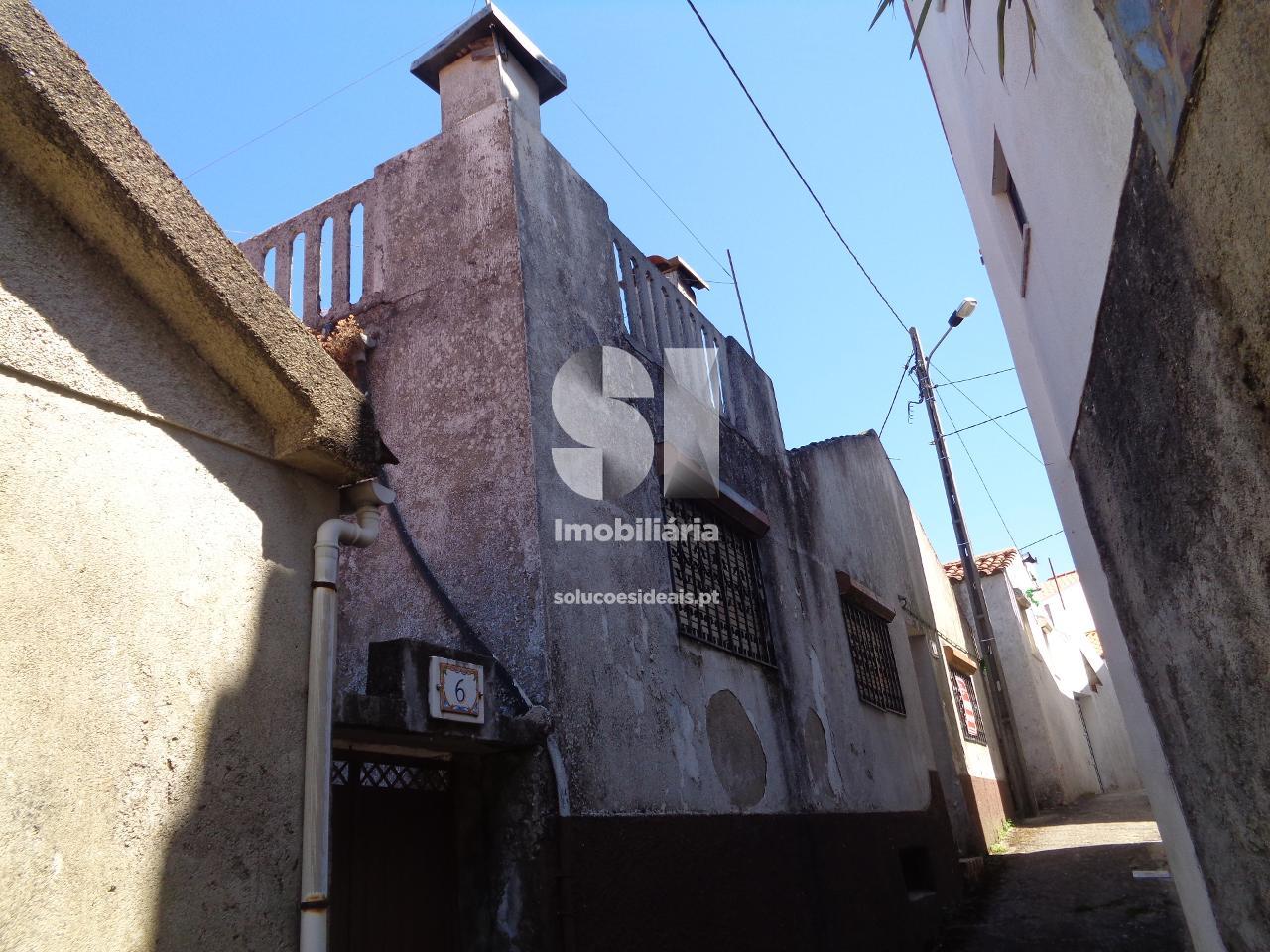 moradia em banda t3 para compra em lousa uniao das freguesias de lousa e vilarinho LSAFS498