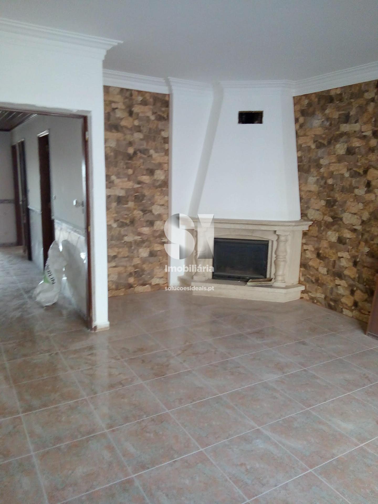 apartamento t2 para compra em seixal corroios SXLRM742
