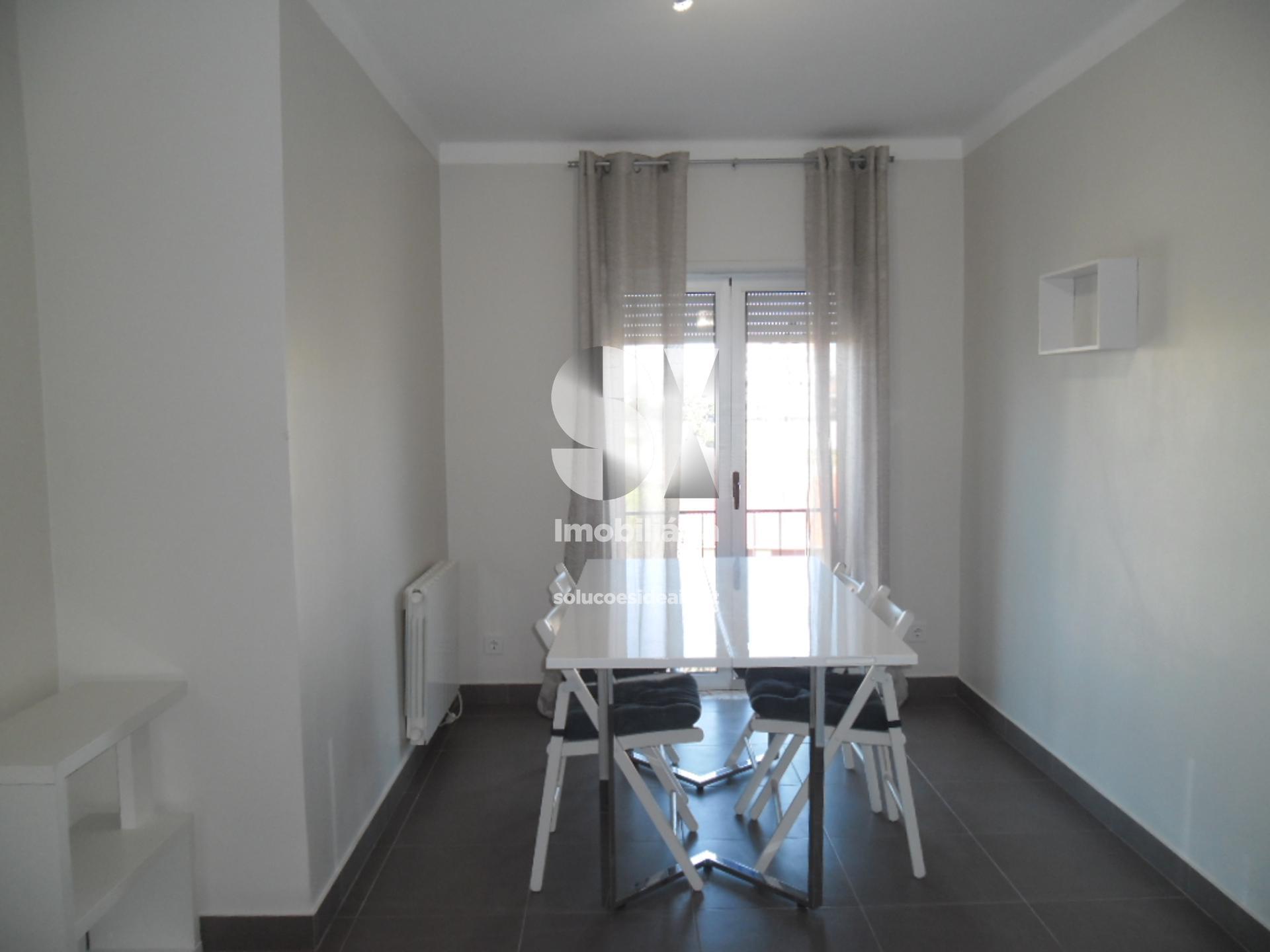 apartamento t1 para arrendamento em coimbra santo antonio dos olivais celas CELGD2640
