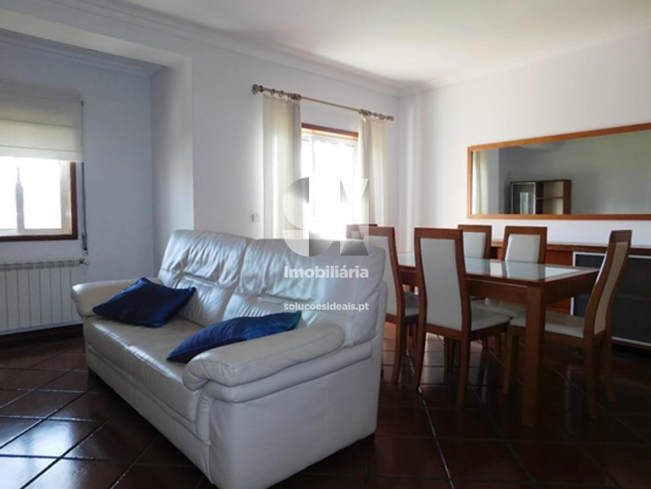 apartamento t3 para compra em aveiro uniao das freguesias de gloria e vera cruz bairro do liceu AVGLB1759