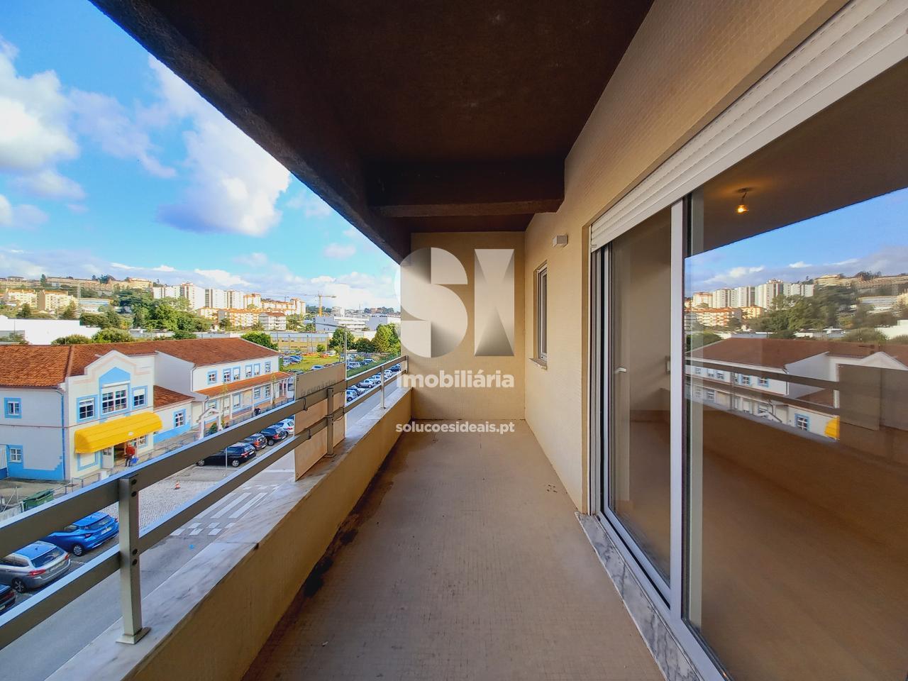 apartamento t3 para compra em coimbra santo antonio dos olivais casa branca CELJD2653