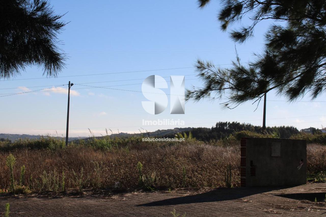 terreno para compra em lourinha uniao das freguesias de miragaia e marteleira LFCPM699
