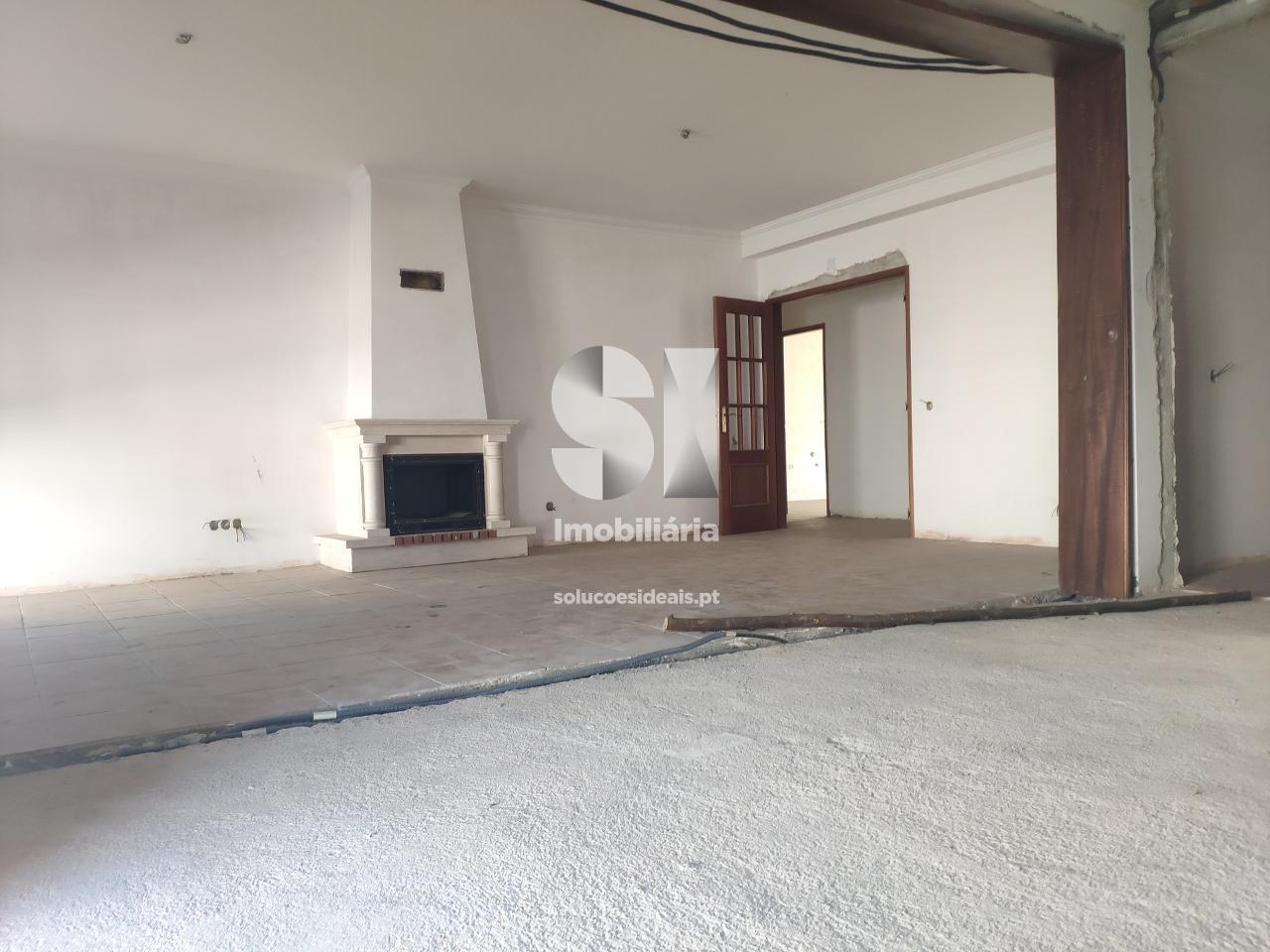 apartamento t4 duplex para compra em vila nova de poiares poiares santo andre poiares LSASS533