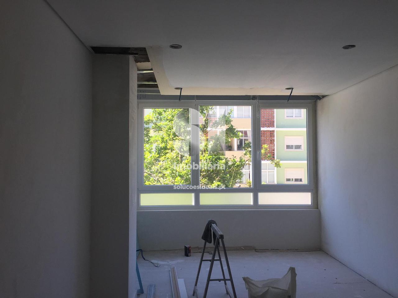 apartamento t3 para compra em almada uniao das freguesias de almada cova da piedade pragal e cacilhas CHASP69