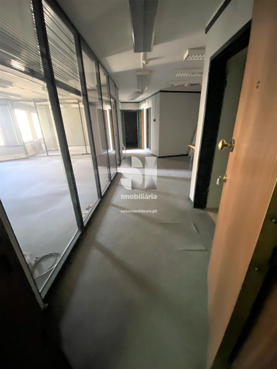 escritorio para arrendamento em coimbra uniao das freguesias de coimbra se nova santa cruz almedina e sao bartolomeu baixa CELAR2665