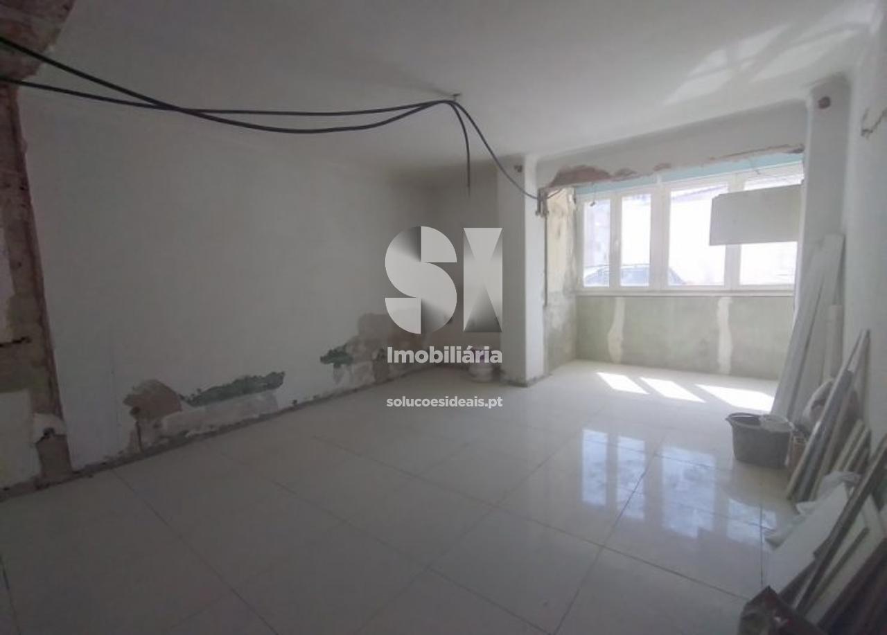 apartamento t3 para compra em barreiro uniao das freguesias de alto do seixalinho santo andre e verderena SXLSS810