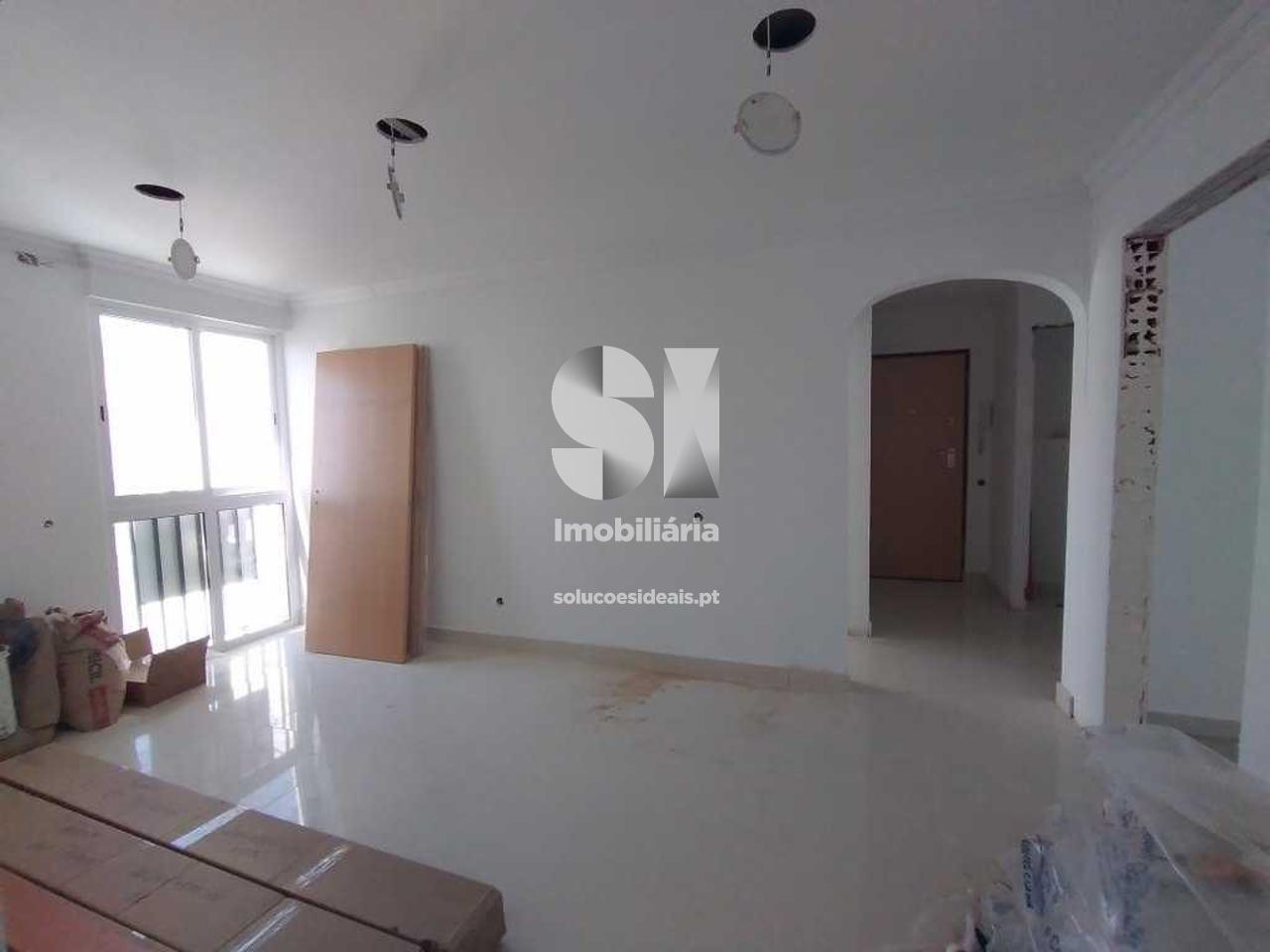 apartamento t3 para compra em seixal corroios SXLSS813