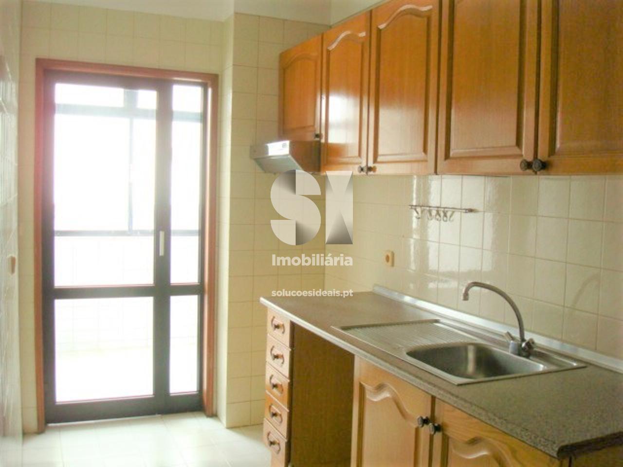apartamento t2 para compra em porto ramalde MCTIS23