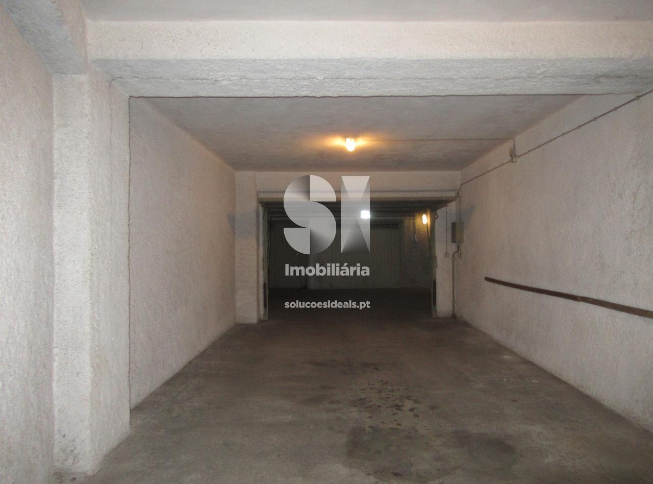 garagem para arrendamento em guarda CPTLJA213
