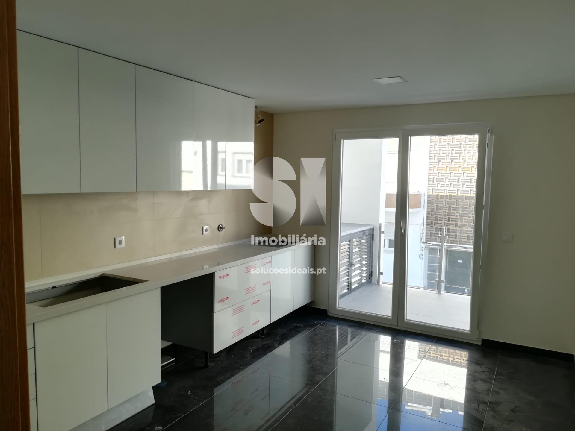 apartamento t2 para compra em sesimbra quinta do conde SESNO72