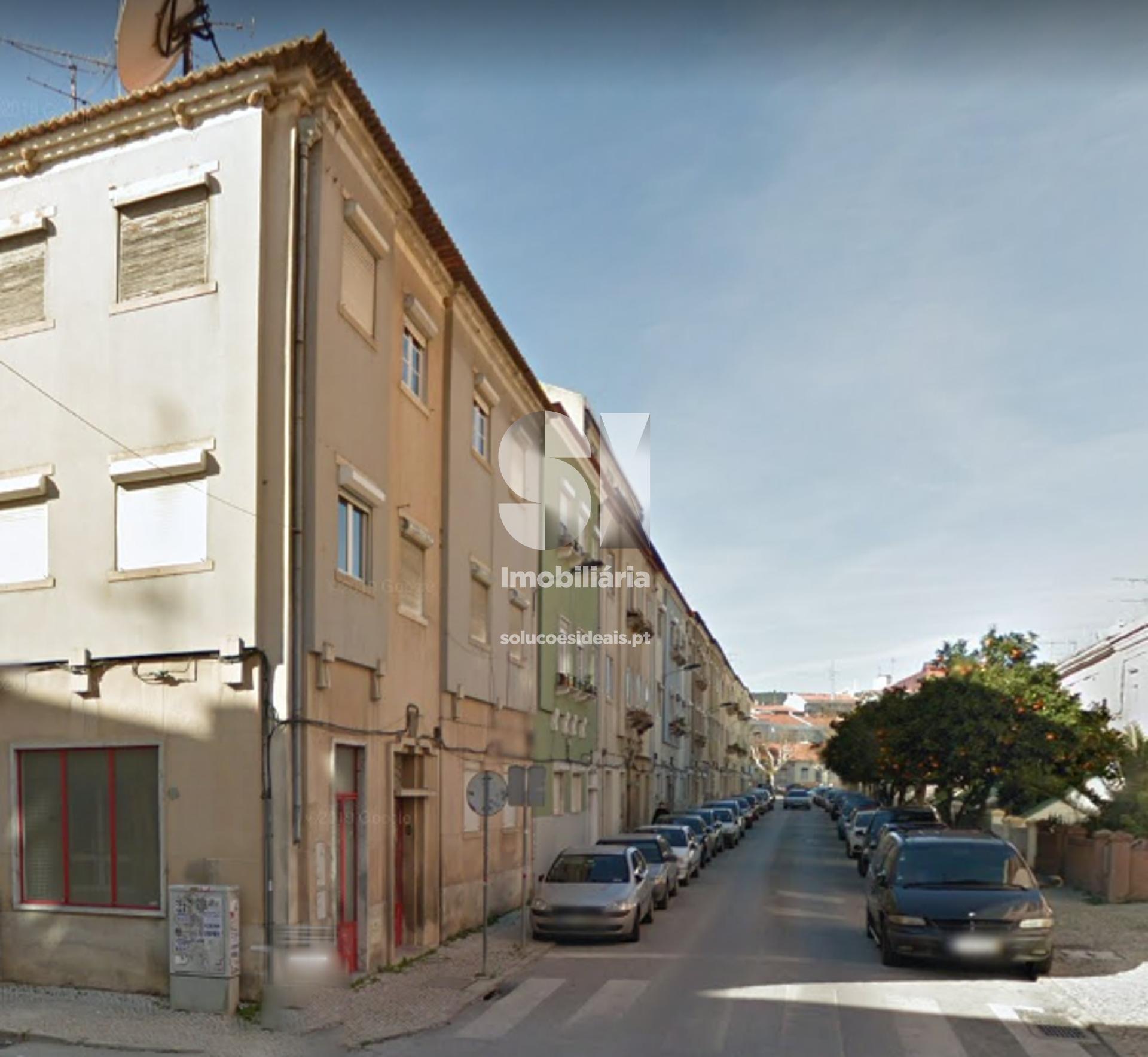 apartamento t2 para compra em vila franca de xira uniao das freguesias de alverca do ribatejo e sobralinho LARLO653