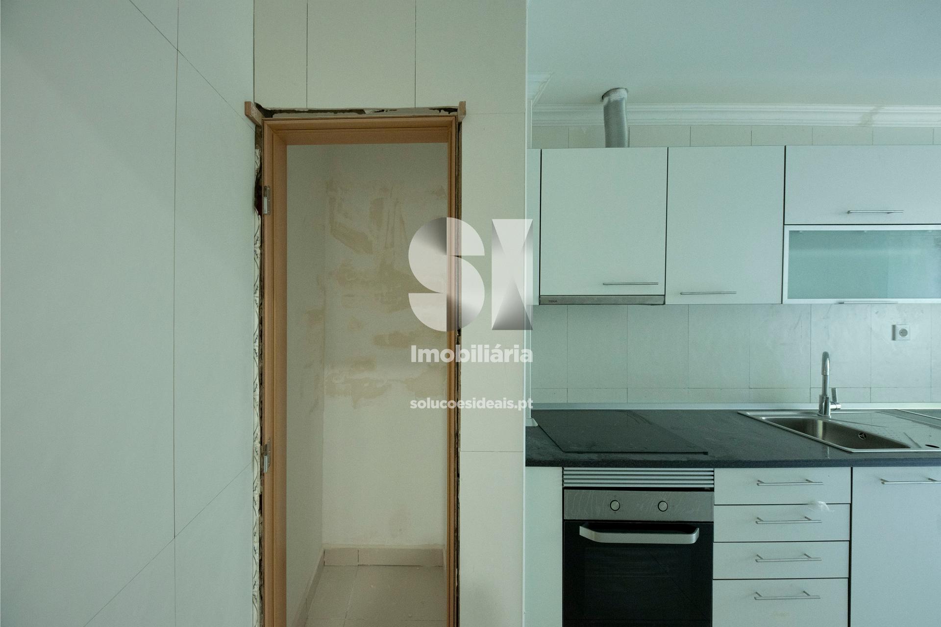 Despensa e pormenor da Cozinha