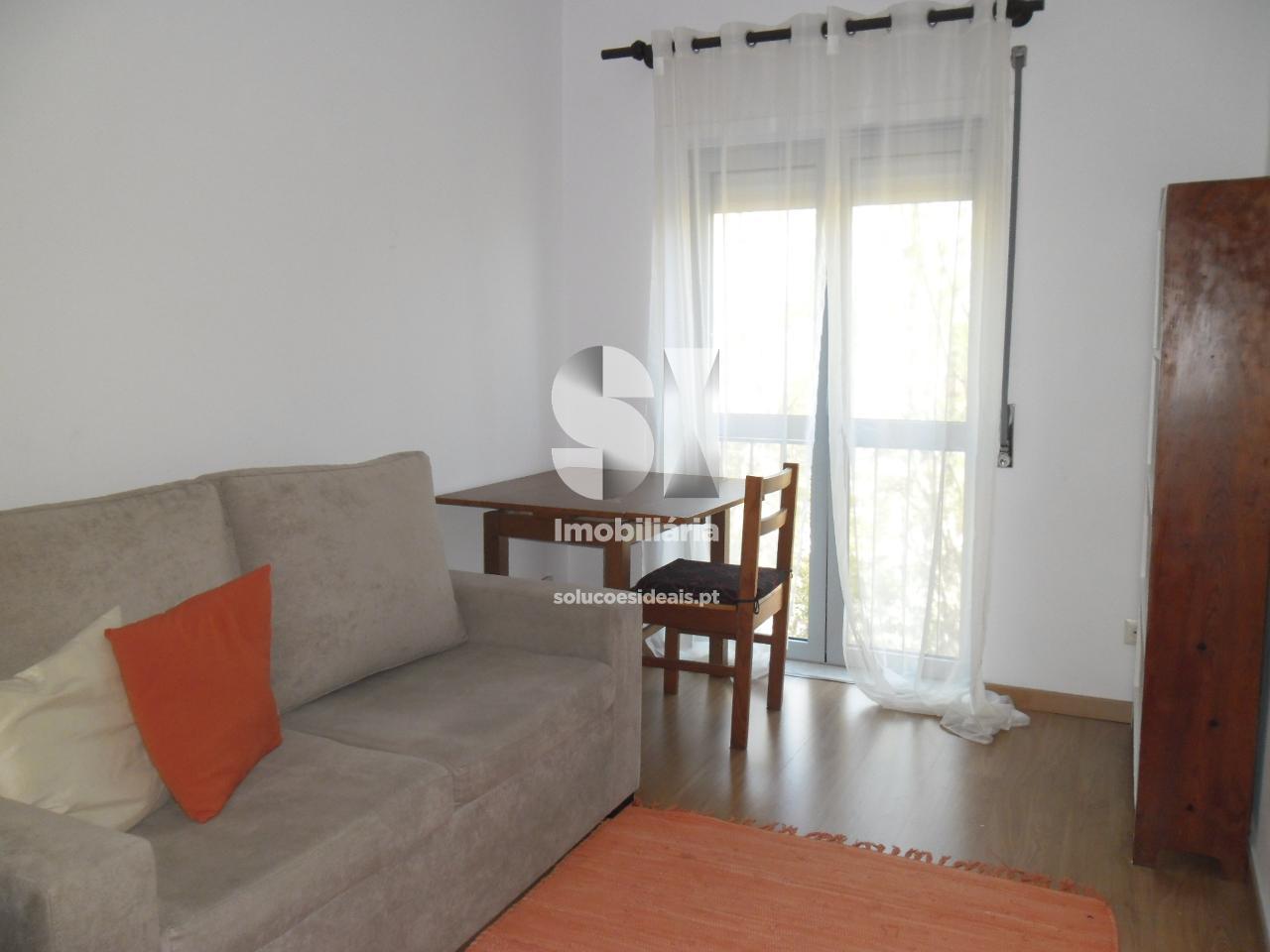 apartamento t1 para arrendamento em coimbra santo antonio dos olivais celas CELGD2688