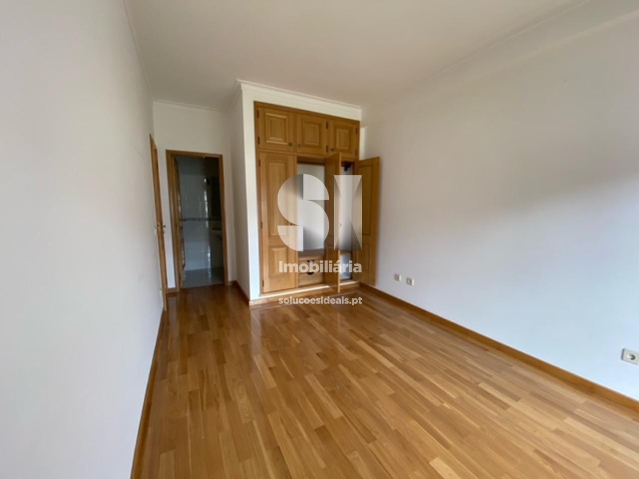 apartamento t3 duplex para compra em lousa uniao das freguesias de lousa e vilarinho LSANS595