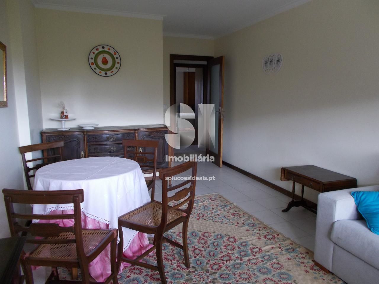 apartamento t2 para arrendamento em aveiro uniao das freguesias de gloria e vera cruz barrocas AVGCL1831