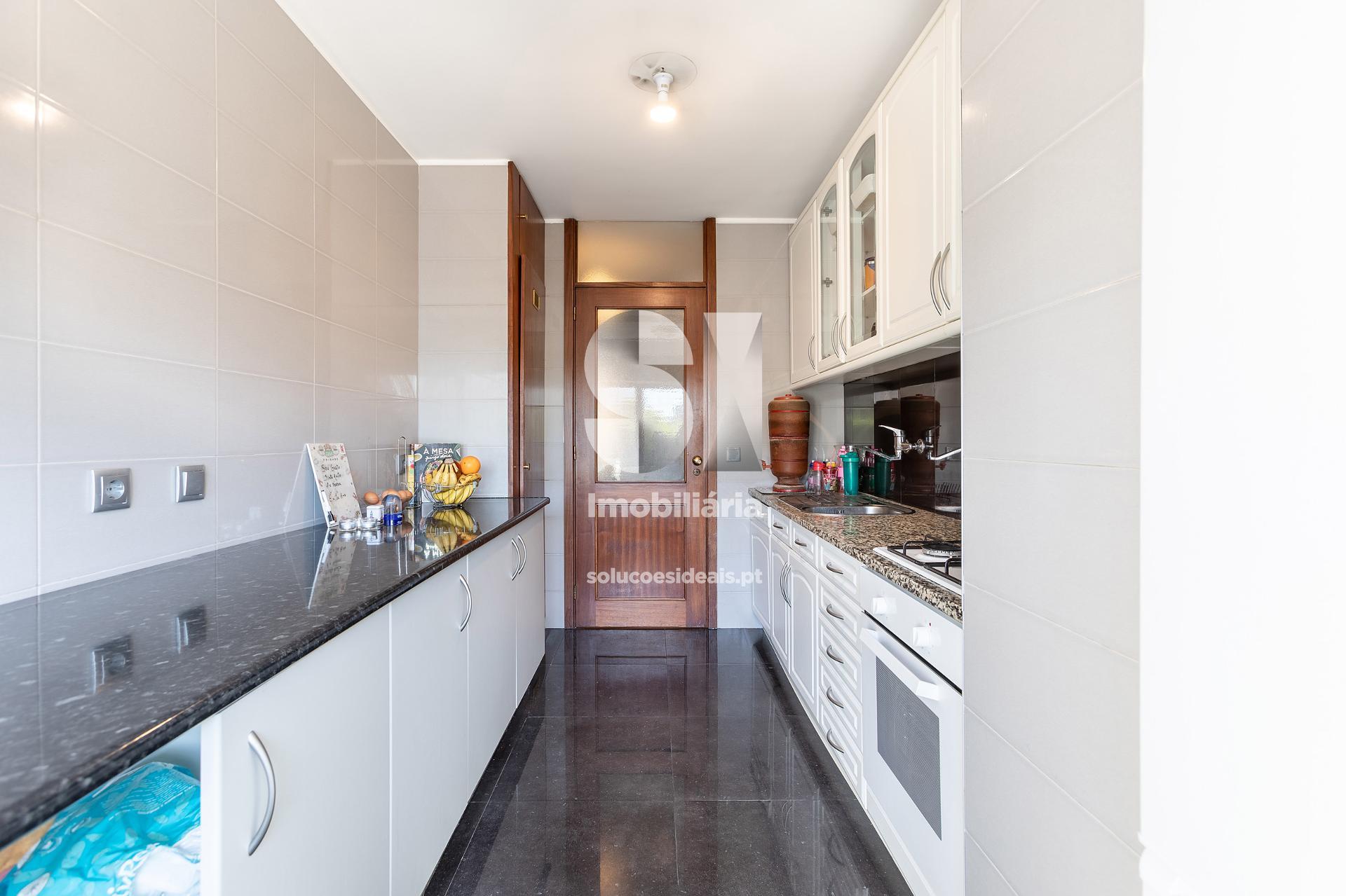 apartamento t3 para compra em maia cidade da maia MAIOB300