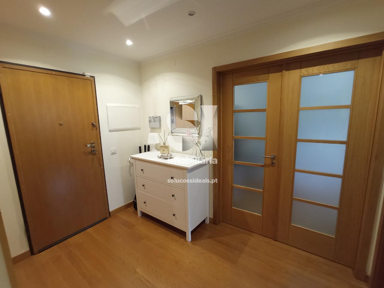 apartamento t3 para compra em coimbra uniao das freguesias de santa clara e castelo viegas santa clara CPTLJA250