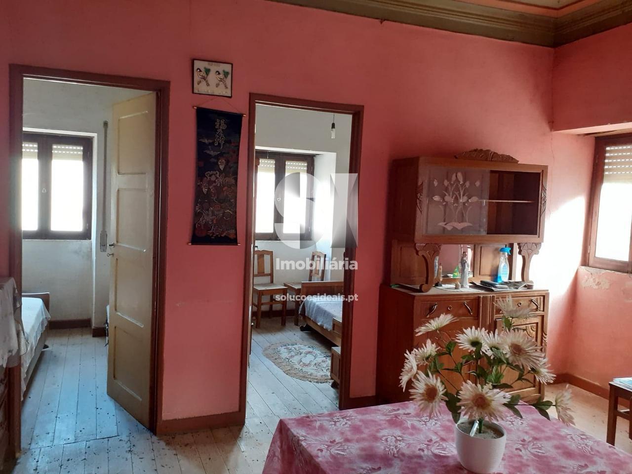 moradia para restaurar t41 para compra em vila nova de poiares arrifana LSANL614