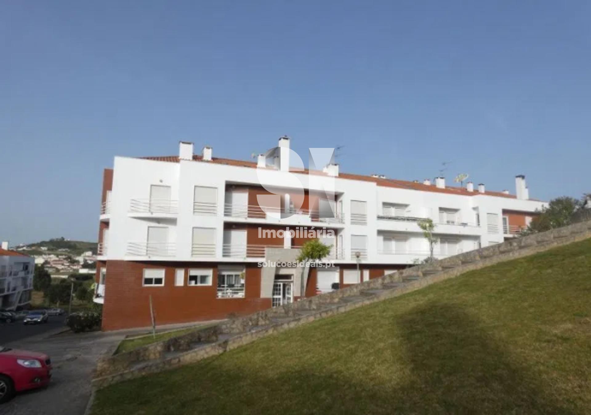 apartamento t2 para compra em torres vedras santa maria sao pedro e matacaes LFCRD879
