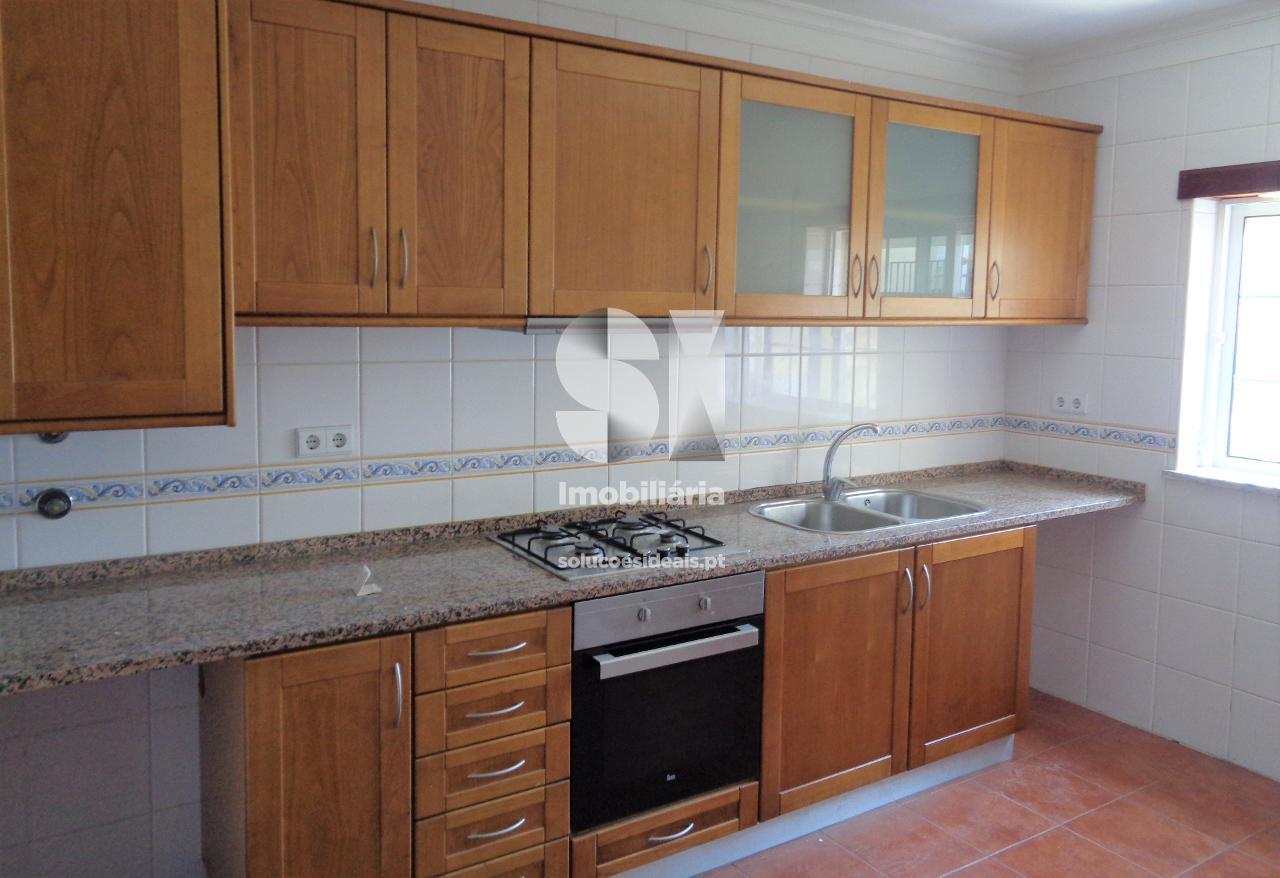 apartamento t3 para arrendamento em vila nova de poiares poiares santo andre LSANL616
