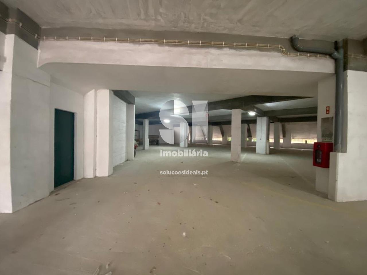garagem para compra em coimbra uniao das freguesias de coimbra se nova santa cruz almedina e sao bartolomeu SEDDME9763