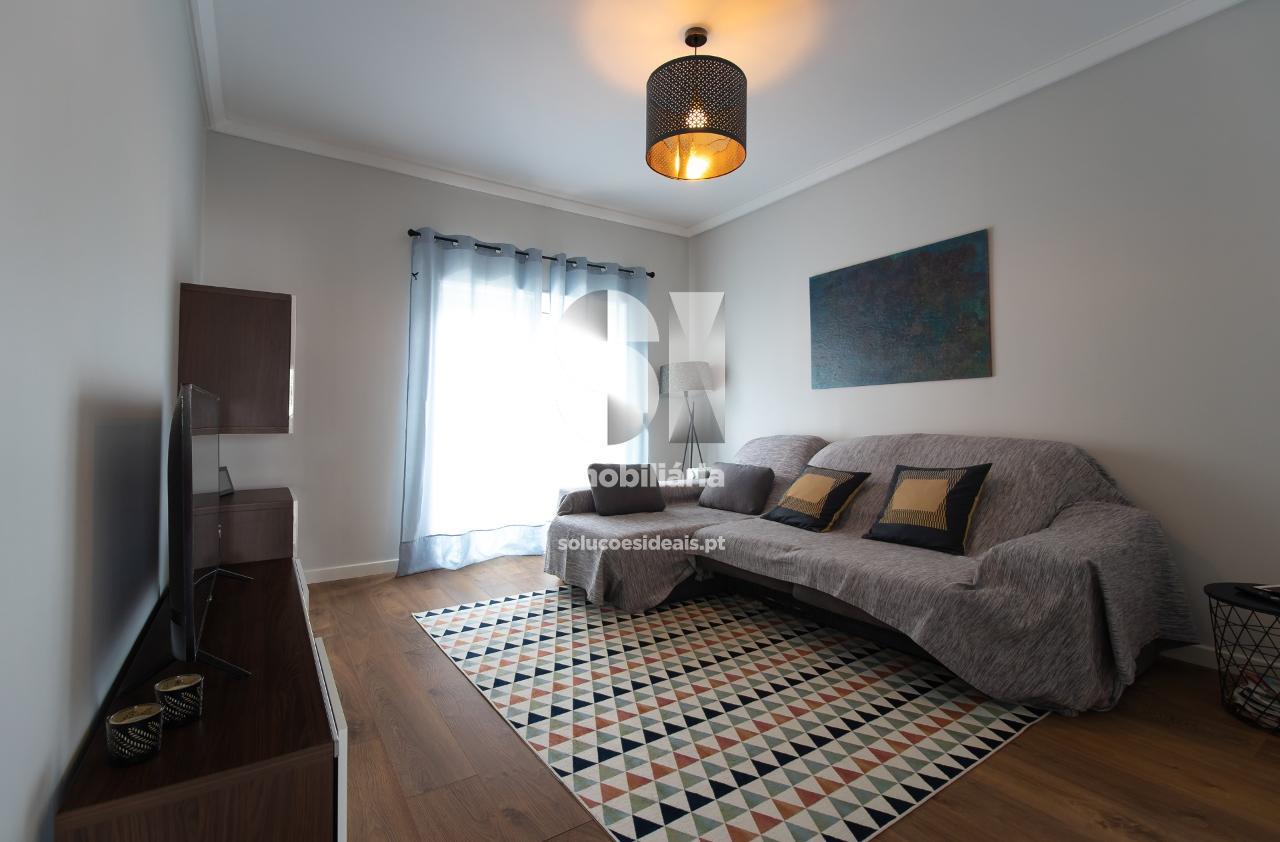 apartamento t3 para compra em almada uniao das freguesias de almada cova da piedade pragal e cacilhas LARLO760