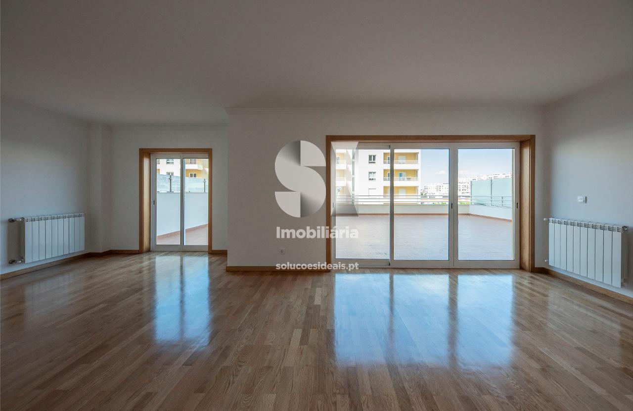 apartamento t3 duplex para compra em oeiras uniao das freguesias de alges lindaavelha e cruz quebradadafundo alges LVATA295