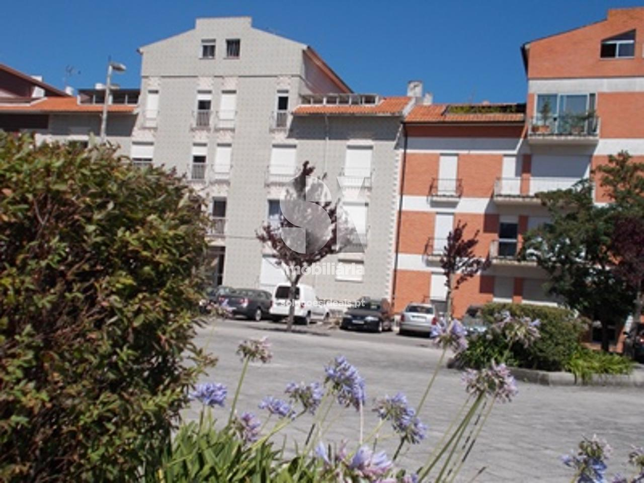 apartamento t2 para compra em aveiro uniao das freguesias de gloria e vera cruz bairro do liceu AVGLB1862