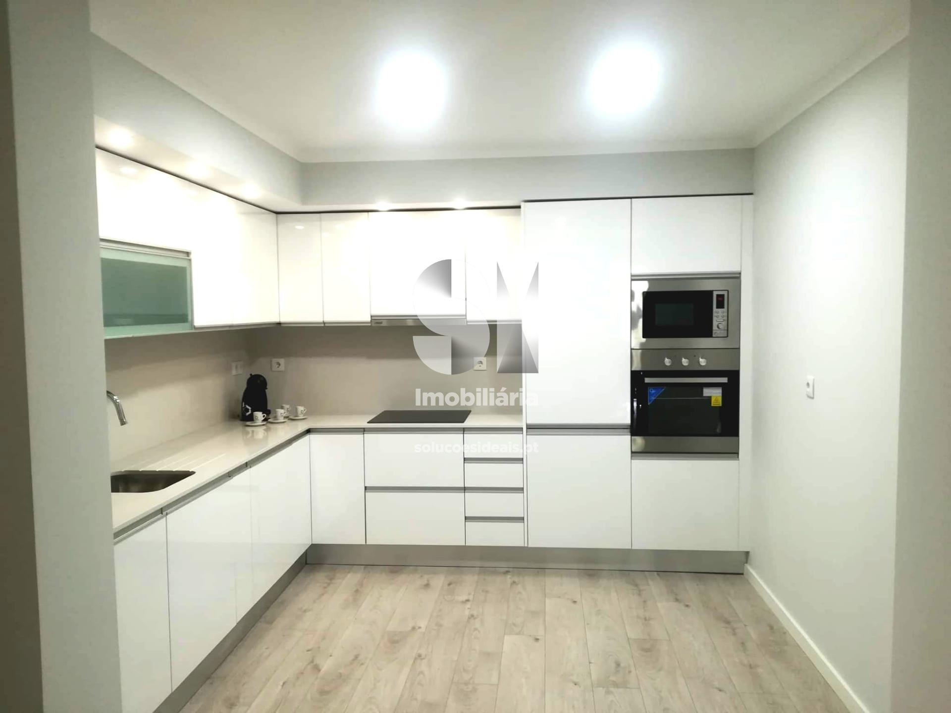 apartamento t3 para compra em almada uniao das freguesias de almada cova da piedade pragal e cacilhas ALMSB785
