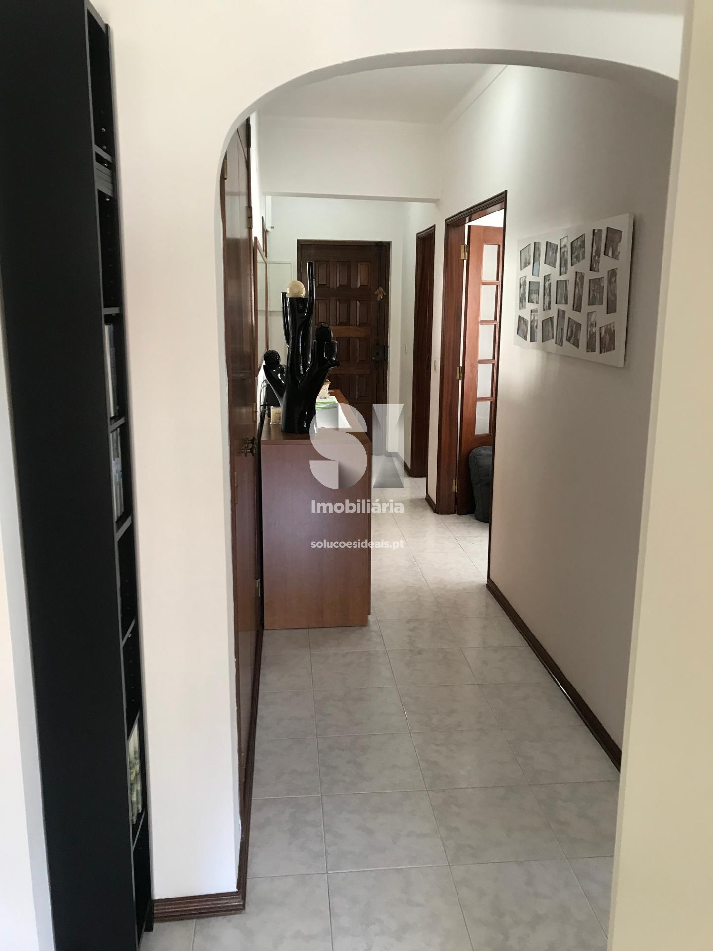 apartamento t2 para compra em alcobaca uniao das freguesias de alcobaca e vestiaria LRAAF43