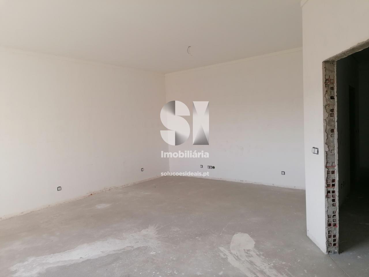 apartamento t4 para compra em torres novas uniao das freguesias de torres novas sao pedro lapas e ribeira branca TNVES86