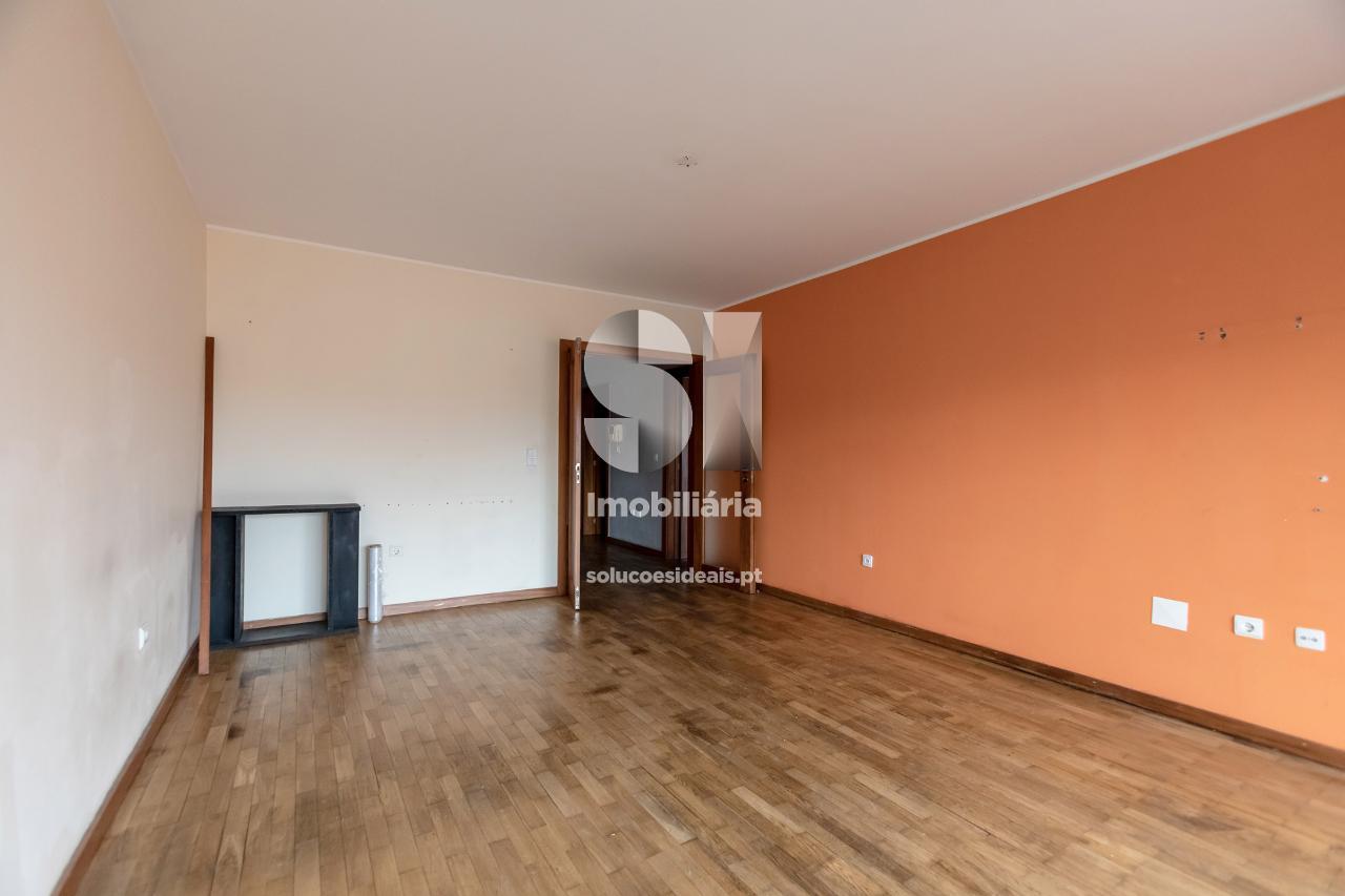 apartamento t21 para compra em maia moreira MAIOB317
