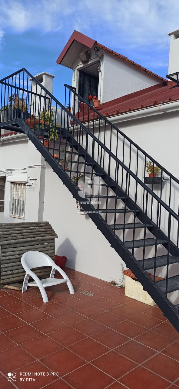 apartamento t11 para compra em almada uniao das freguesias de laranjeiro e feijo ALMRC804