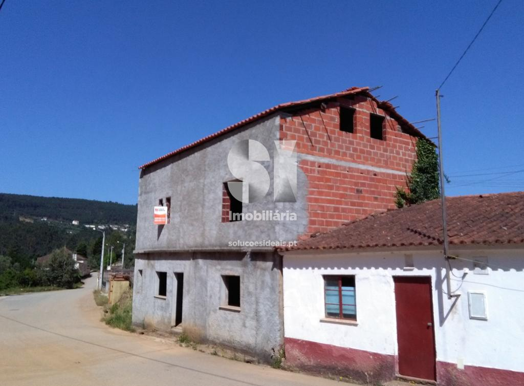moradia para restaurar t2 para compra em vila nova de poiares lavegadas LSA206