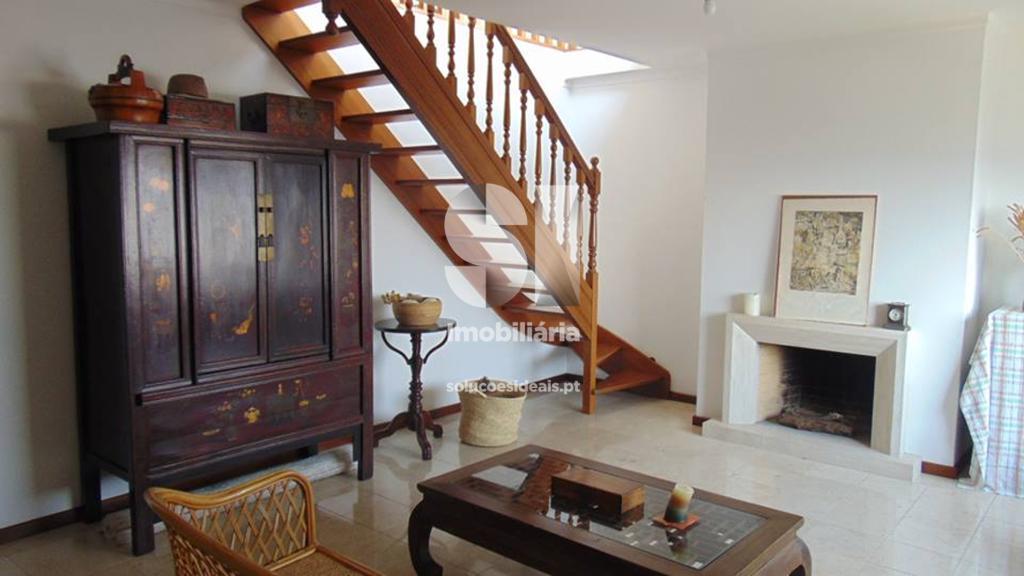 apartamento t3 duplex para compra em alcobaca uniao das freguesias de alcobaca e vestiaria ACBAD101