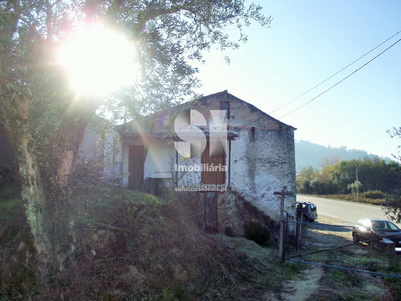 moradia rustica t3 para compra em miranda do corvo vila nova LSA287